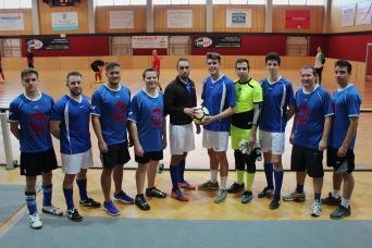 Die Mannschaft der FJ Mödling gemeinsam mit Bezirksobmann David Wareka und Landesobmann Alexander Murlasits